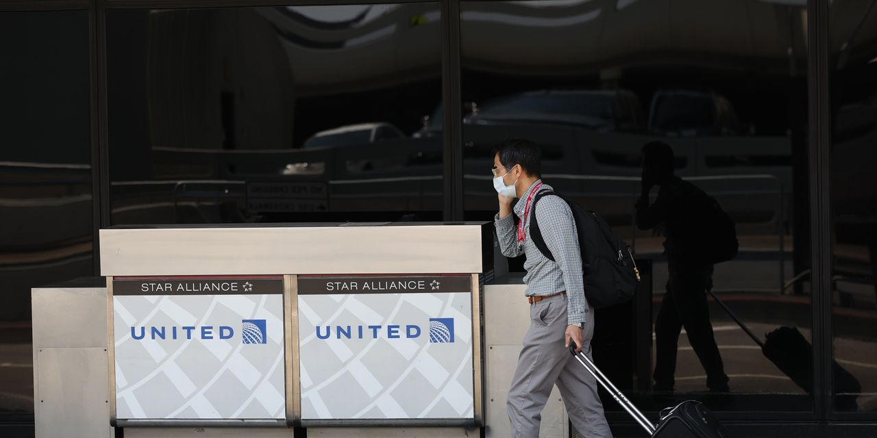 United lost more than $1.3 billion to start the year, and the stock is falling