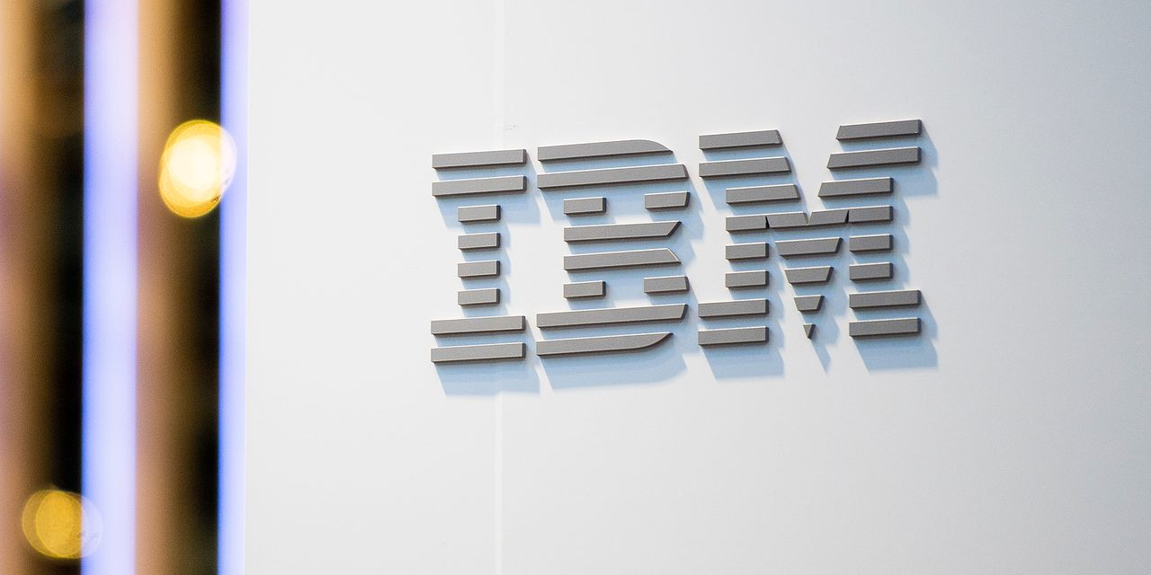 IBM earnings and revenue continue to shrink, stock falls 6%