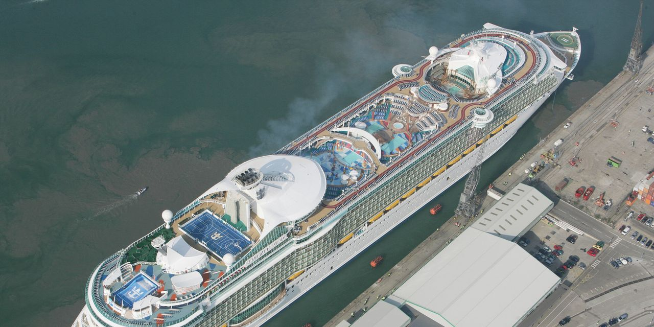 Cruise stocks lead S&P 500's losers after Royal Caribbean's $1 billion... image