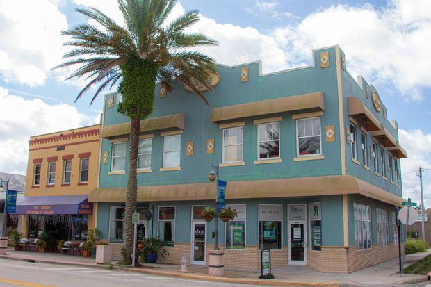 I'd like to buy a home in a warm spot near the beach for $350,000 — where should I retire? 3
