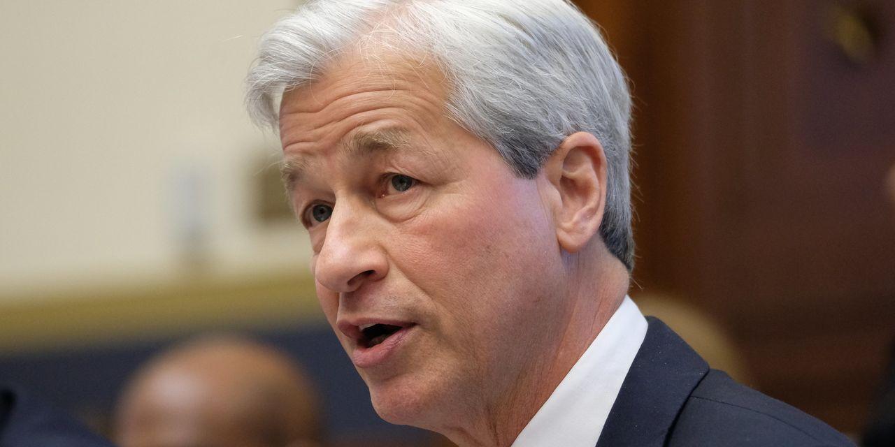 Key Words: JP Morgan CEO Jamie Dimon says 'bitcoin is worthless' amid cry...