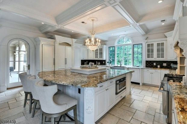 'Real Housewives of New Jersey' star Melissa Gorga finally sold her 'Scarface' inspired mansion for $2.5 million 4