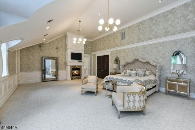 'Real Housewives of New Jersey' star Melissa Gorga finally sold her 'Scarface' inspired mansion for $2.5 million 9