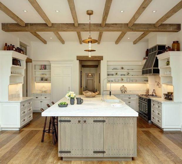 Take a look inside Tom Brady and Gisele Bundchen's Massachusetts mansion 5
