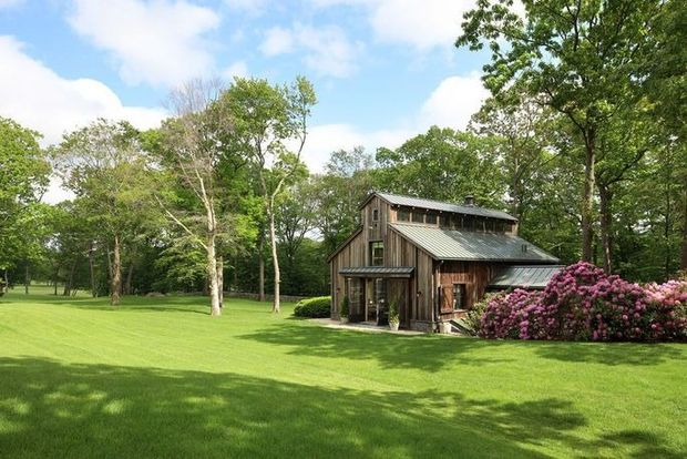 Take a look inside Tom Brady and Gisele Bundchen's Massachusetts mansion 8