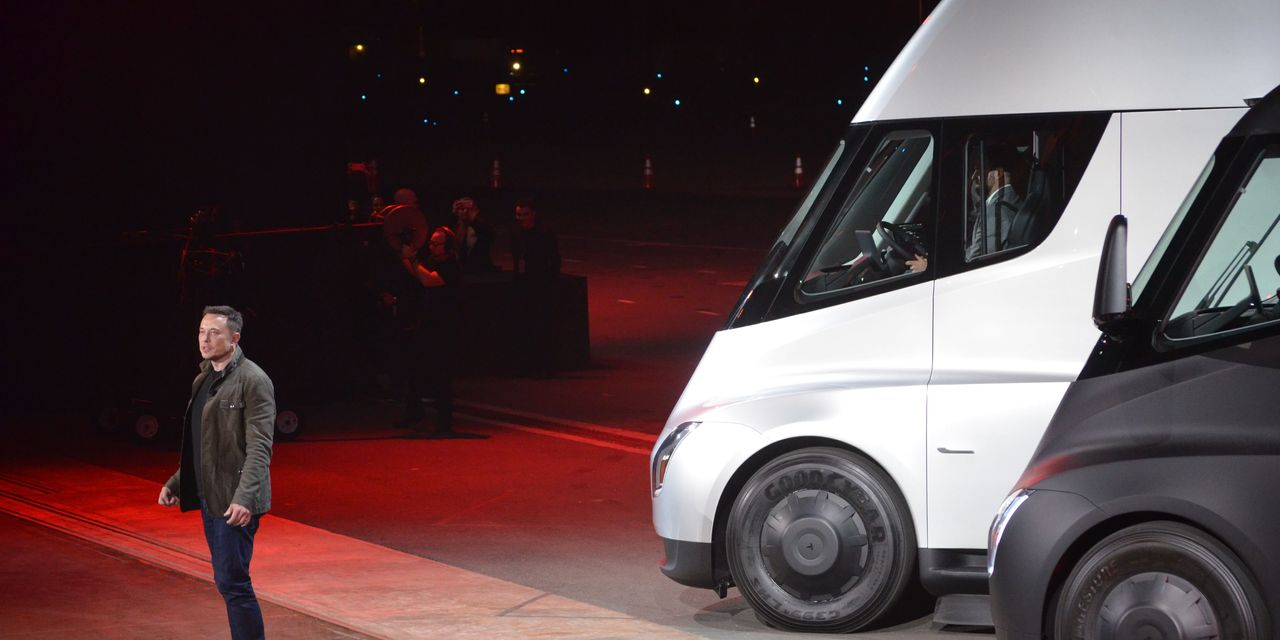 Battery-cell shortage hinders Tesla's production of Semi truck