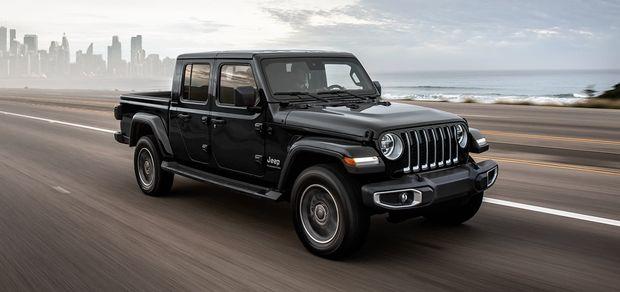 The 2021 Jeep Gladiator vs. 2021 Honda Ridgeline: 2 midsize pickups compared 2