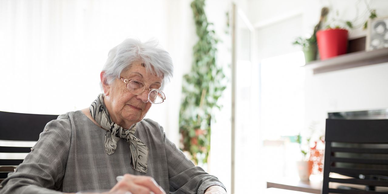 Busting 8 myths about dementia