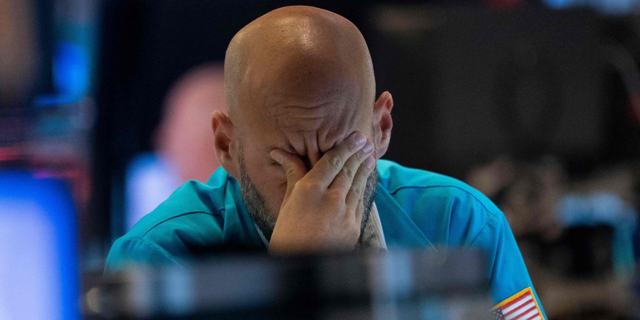 'Head-smacking craziness' has reached new heights in today's markets, says hedge fund billionaire Paul Singer