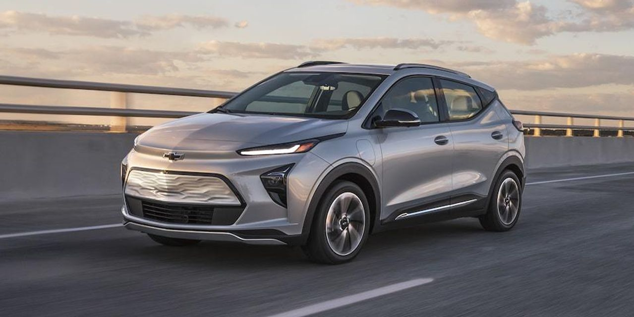 The 2022 Chevy Bolt EUV is shaping up to be a good choice among compact electric SUVs