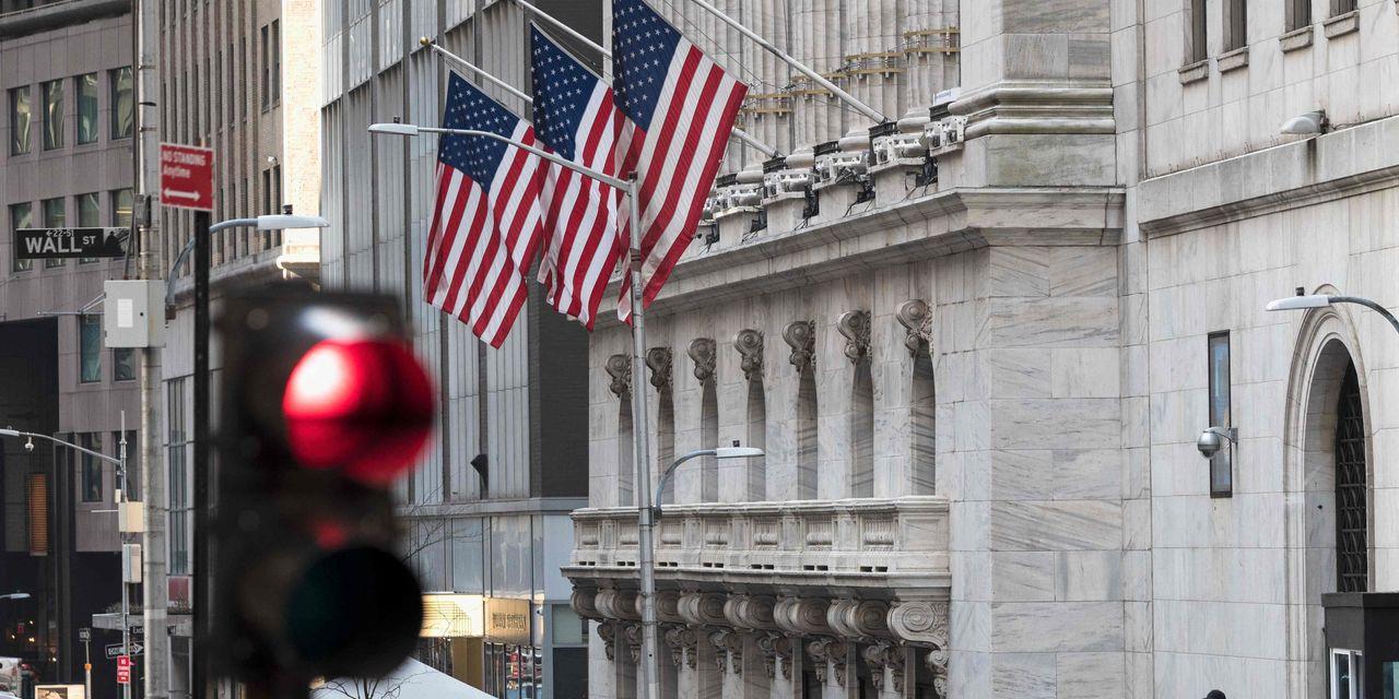 Dow lucha por la dirección para comenzar la semana en medio de informes de una llamada de margen masiva de un fondo de inversión