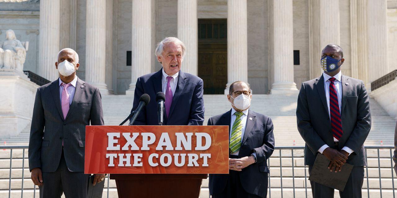 Democrats begin long-shot push to expand Supreme Court