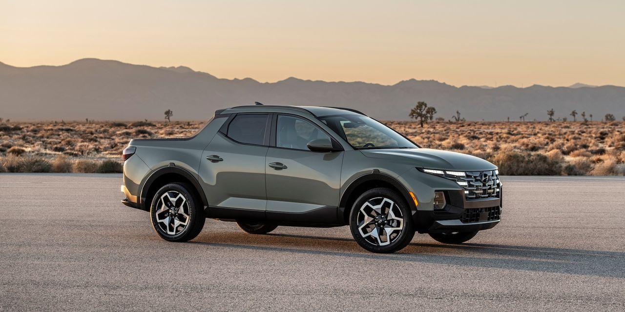 Check out this new small pickup truck, a 2022 Hyundai Santa Cruz