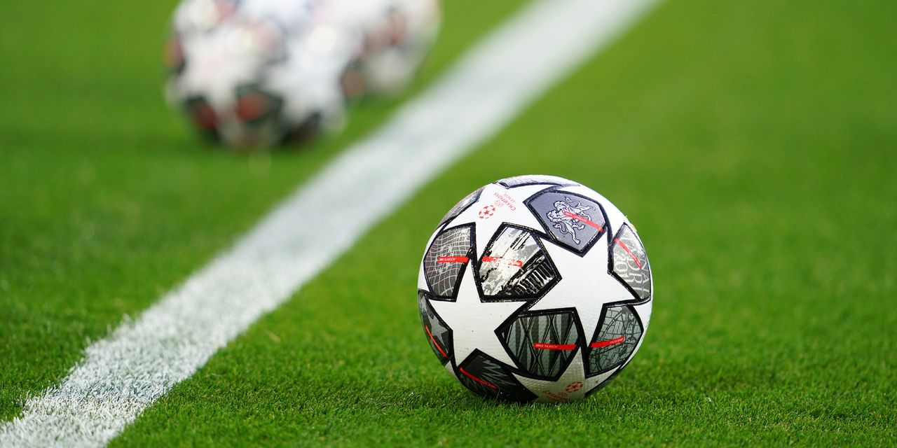 Top European soccer clubs threaten breakaway Super League