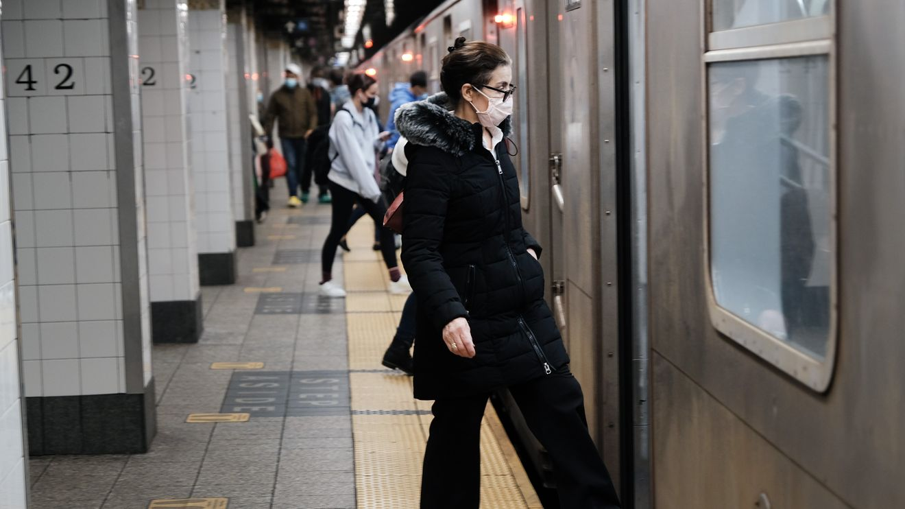 New Yorkers are using public transit at the highest rates in over a year
