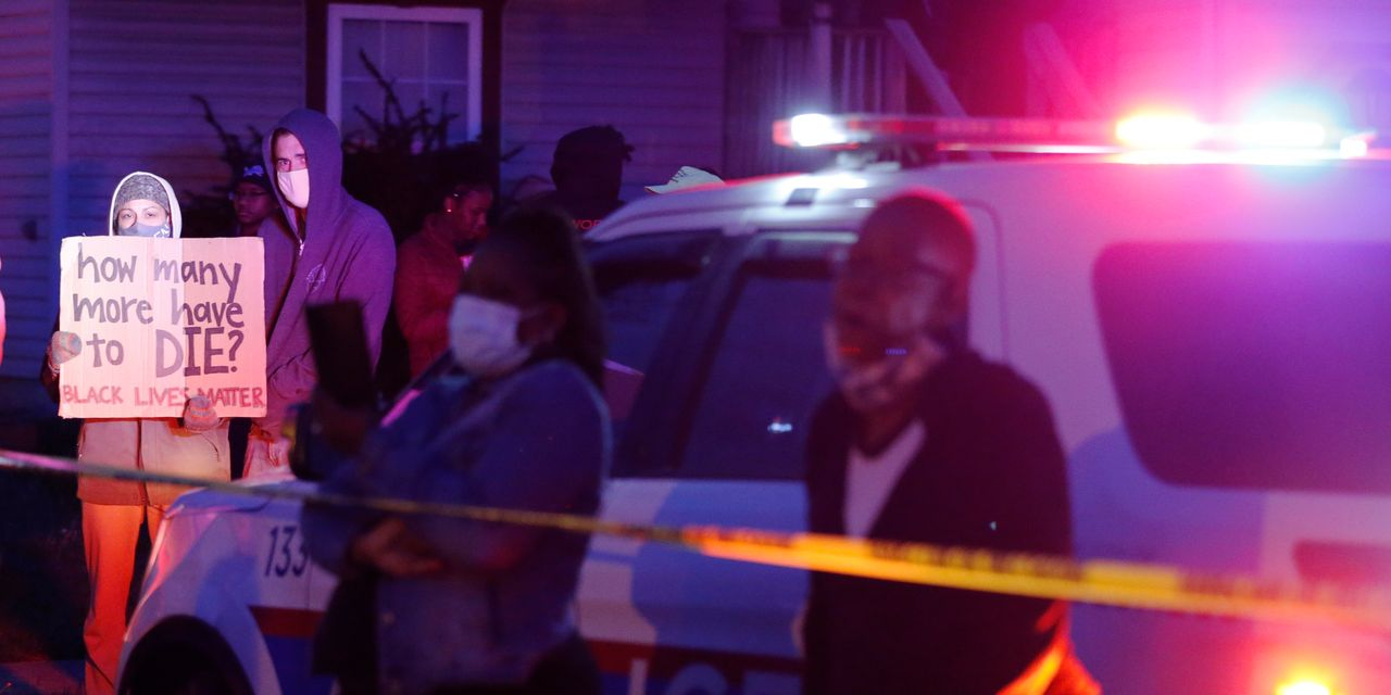 Columbus, Ohio police shoot and kill teenage girl waving a knife