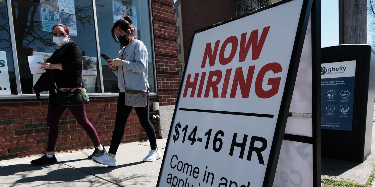 U.S. weekly jobless claims keep falling to new post-pandemic lows