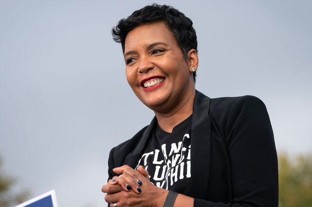 WATCH: In surprise to many, Atlanta mayor Keisha Lance Bottoms discloses her decision to not run for reelection