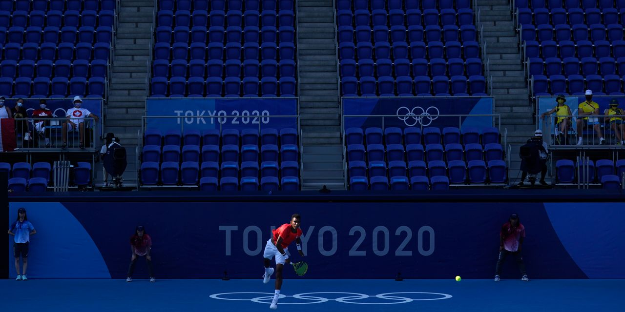 How Olympic athletes are 'breaking the boredom' amid COVID-19 restrictions in Tokyo