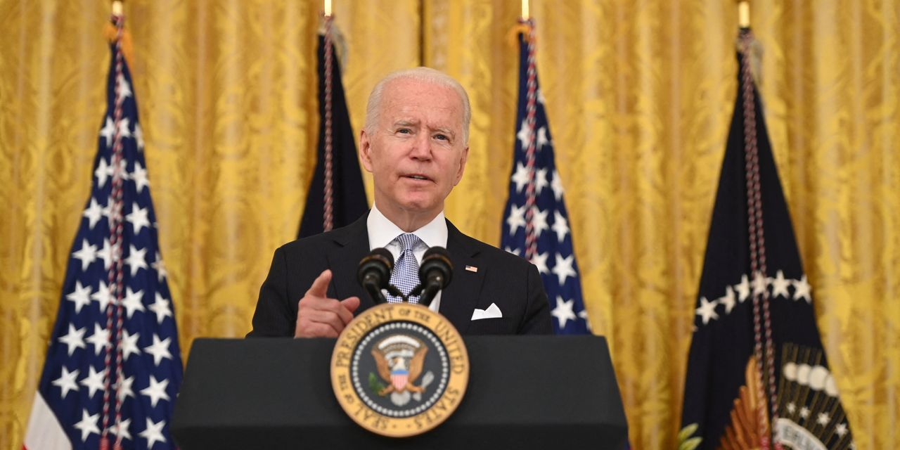Biden says federal workers must prove they're vaccinated, or wear a mask