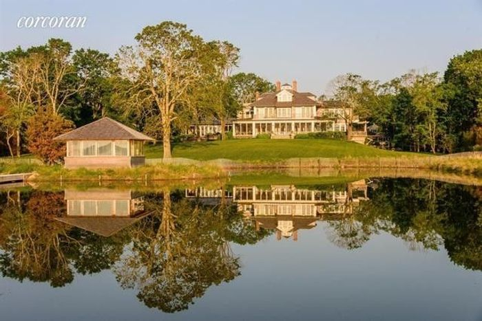 Matt Lauer's Waterfront Home in the Hamptons Resurfaces for $44M 2