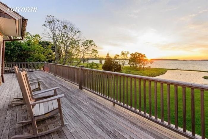 Matt Lauer's Waterfront Home in the Hamptons Resurfaces for $44M 3