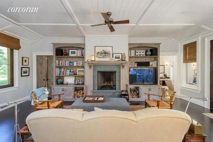 Matt Lauer's Waterfront Home in the Hamptons Resurfaces for $44M 9