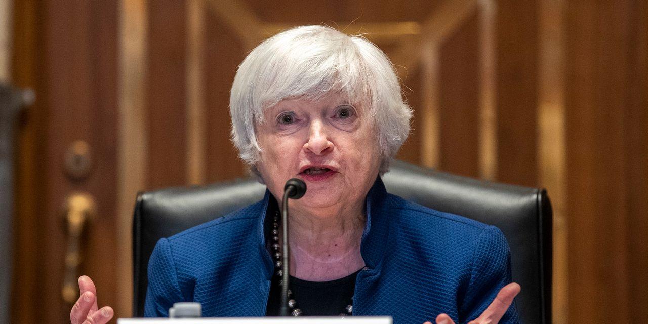 U.S. Treasury lowers borrowing estimates for third quarter