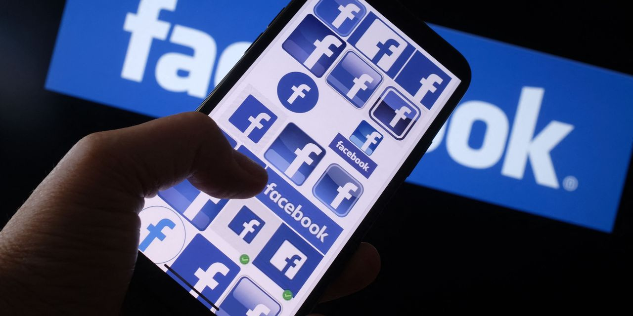 Facebook stock falls after exec highlights impacts from Apple privacy changes